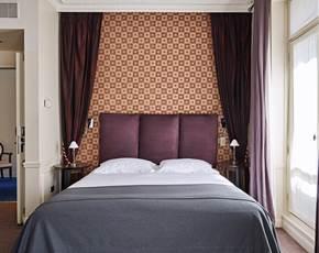Chambre double supérieure   Hôtel La Trémoille