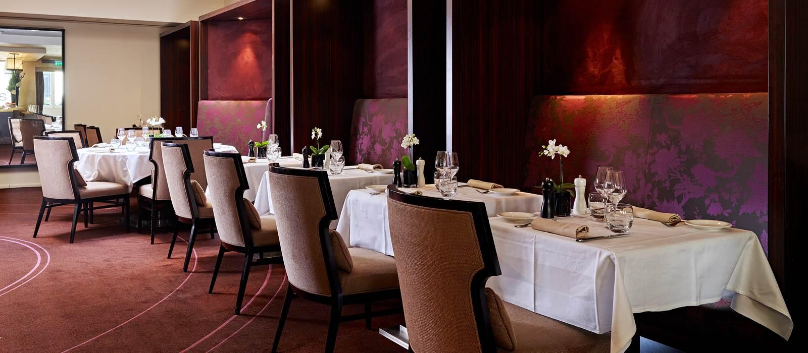 Hotel de la Tremoille   Five-Star Spa Hotel Paris